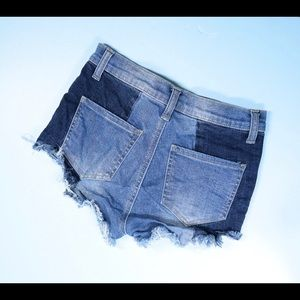 Forever 21 Shorts - FOREVER 21 frayed shorts Small